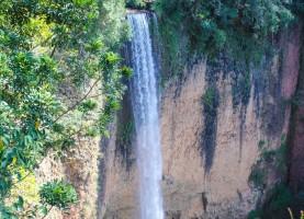 queda-lateral-cachoeira-saltao