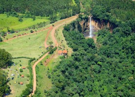 visao-aerea-cachoeira-saltao